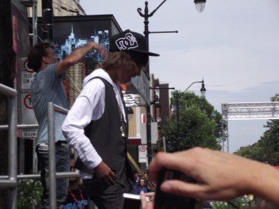Voici la seul photo que j'ai réussi à avoir de Jacob à l'anti-tapis (24-Aout 2011)