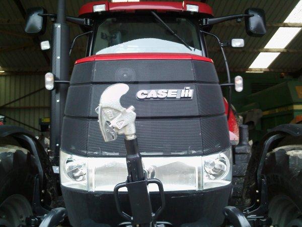 le nouveau CASE Puma 195 CVX au voisin