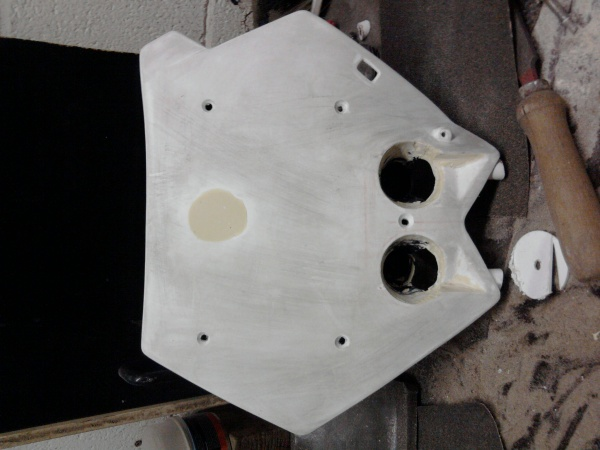 fabrication plaque phare pour ma derbi tape2 blog de simonriders. Black Bedroom Furniture Sets. Home Design Ideas