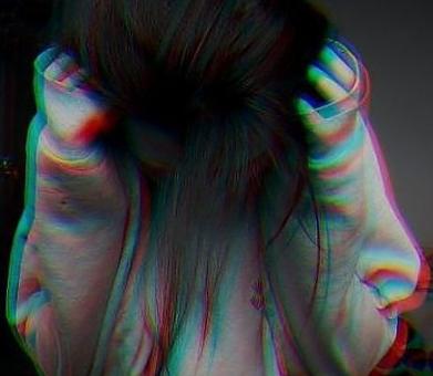 On te déçoit ,on te ment,on te fais du mal.. Puis après on te dit que c'est toi qui as changé.