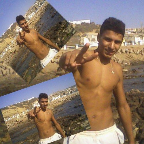 vive algerie et vive mosta 27  et sont N'oublier nes mosta en generale    w dounia chaba tu reste tjr dans mon coeur  je t'aime doudou