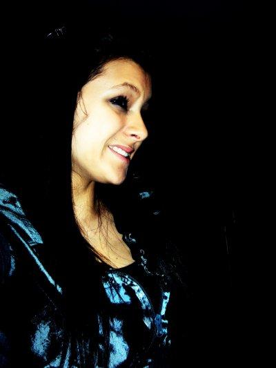 Je souuriiie aujourd huiii grace a toiii ♥ tu a su mrendre forte sans le savoiiir  :):)