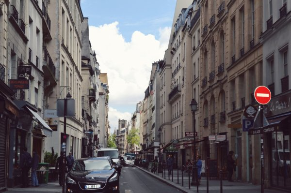 Paris la scandaleuse.