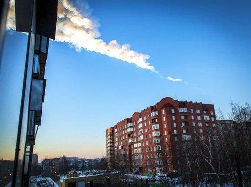 """Spécial """"Plus de 250 blessés après la chute de météorites en Russie"""" - Image n° 2/4 !..."""