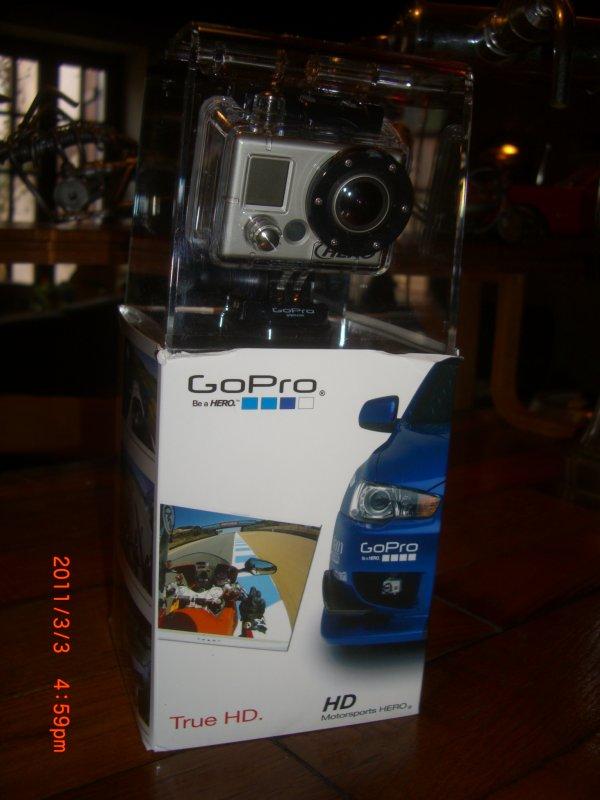 çà y est j'ai reçu ma caméra Gopro HD Motorsports , çà va être terrible pour les photos et vidéos embarqués !