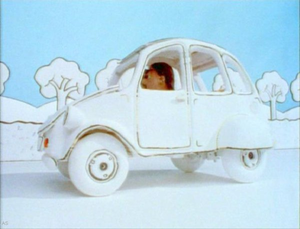 Citroën 2CV dans Never Say Pink Furry Die, Court métrage, 1992