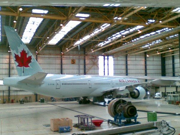 777-300 AIR CANADA