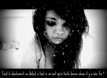 Elle était comme ça. Elle allait toujours bien. Peu importe qui elle avait devant elle, son sourire réussissait à tout cacher. Elle avait mal mais n'en disait pas un mot. Elle était comme ça, elle était forte. Mais à force de faire croire qu'on est heureux, on ne l'est plus. On ne veut plus l'être. Et pourtant, quand je pense à toi, je me rends compte que malgré tout la vie est encore belle. .