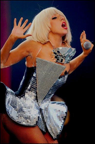 New's Gaga ! ♥ - Nouveau record pour Lady GaGa!