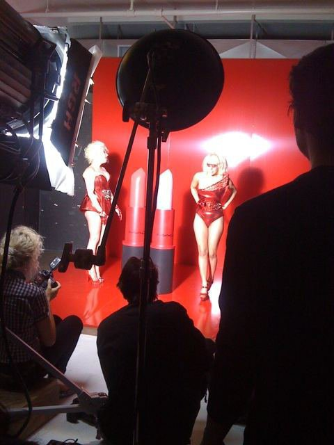 "иєω'ѕ gαgα ! ♥ - Photo des coulisses du photoshoot pour ""Viva Glam""."