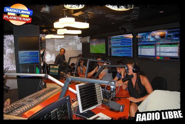 La découverte du nouveau studio de la Radio Libre !