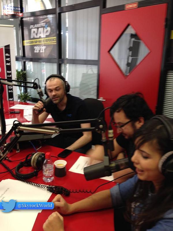Indila | Dans les studios de Skyrock Nord !