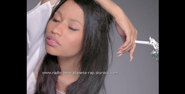 Nicki Minaj - Pills N Potions   Clip Officiel