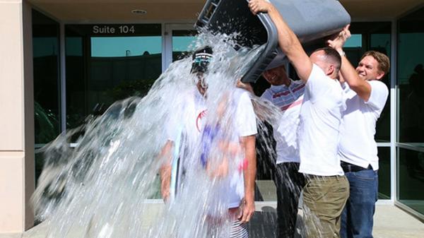 #IceBucketChallenge | Momo est trempé !