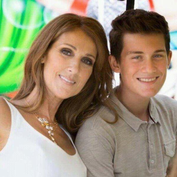 Rene-charles avec ses parents et ses petits frere