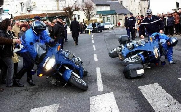 nos fière motards surentrainé lol