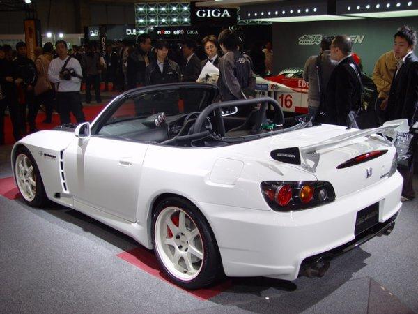 un superb S2000
