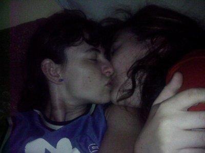 Amours entre deux femmes [PUNIQRANDLINE-(au-dating-names.txt) 43