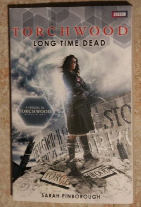 Livre Torchwood Long Time Dead