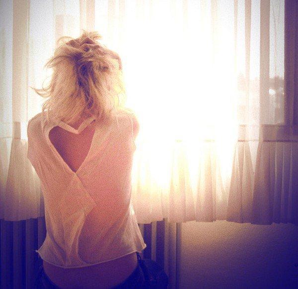 """"""" La plus grande souffrance pour un coeur, c'est d'en aimé un; qui lui aime ailleurs.."""""""