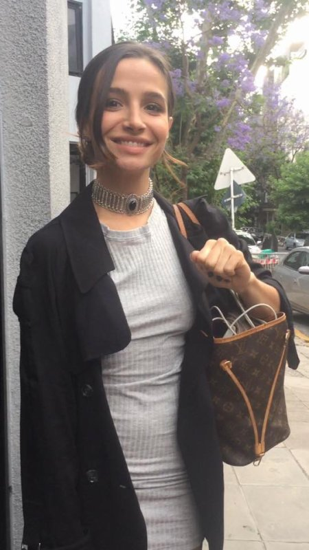 Brenda Asnicar avec Martina Stoessel  + photos pour l'ouverture de Became Martinez