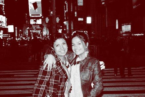 Brenda Asnicar avec sa maman Adriana 2