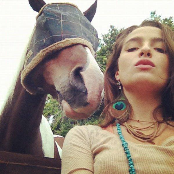 Brenda Asnicar pour Corazón Valiente 2012
