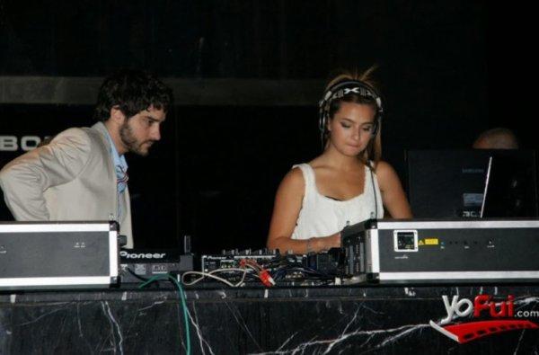 Brenda Asnicar dans Revista Hombre 2011