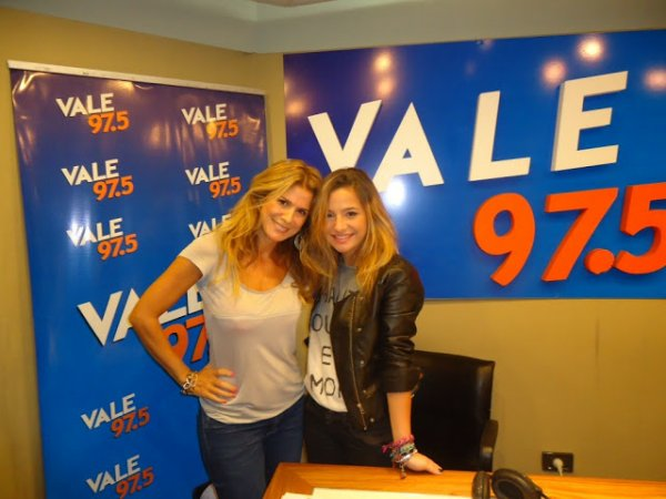 Brenda Asnicar pour la radio Vale Flavia 97.5 2012