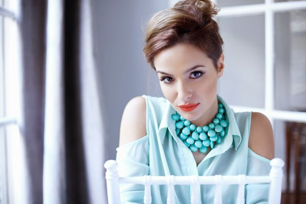 Brenda Asnicar pour revista Luz 2013