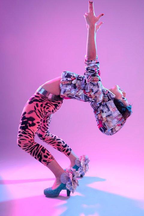 "Brenda Asnicar Photoshoot par Benjamin Furland ""colorplusultra"" 2011"