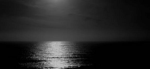 « Et sur le quai de l'insomnie, tous les chemins me mènent à lui. »