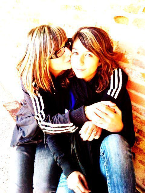 """""""   Car les peines qu'éprouvent nos amis nous affectent davantage que celles que nous éprouvons    """""""