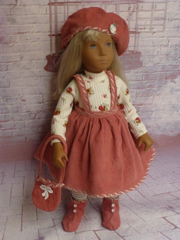 je vous  presente la nouvelle tenue pour sasha doll