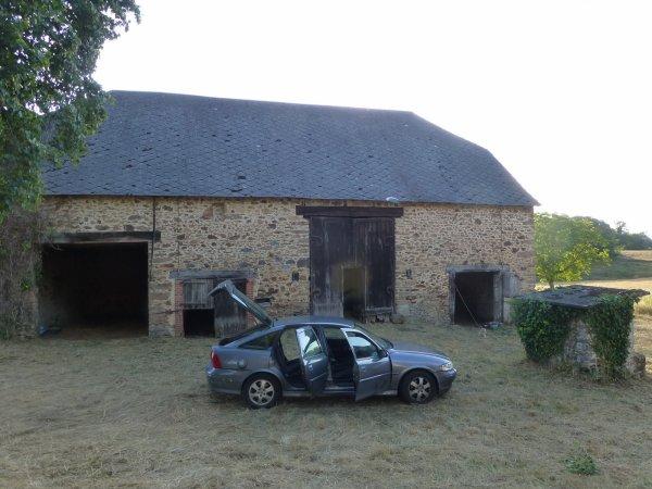 je vous presente ma ferme en Corrèze que je viens d'acheter
