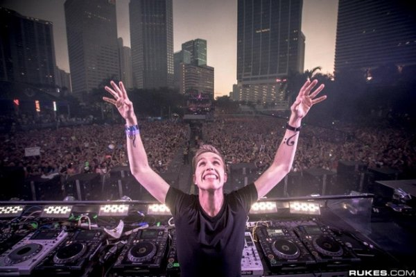 Preon feat. Carly Lind - Smoke (Available February 10th) (Nicky Romero P...
