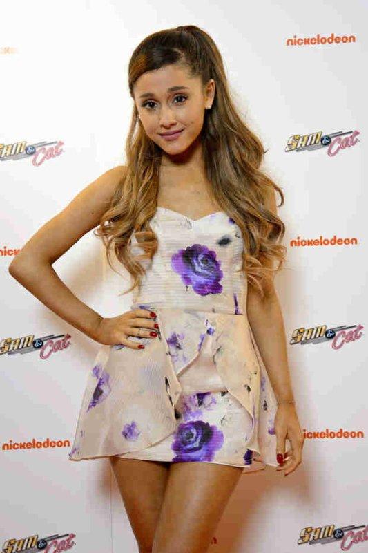 Elle Girl | Ariana Grande