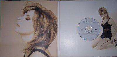 Voici le collector de l'album - Anamorphosée contenant une pochette format 33 tour contenant un livret identique à celui du CD France mais en format 33 tours et contenant le CD incrusté en dernière page.