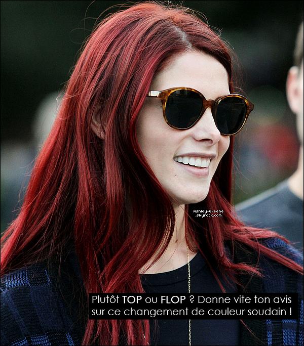 • CANDIDS - Le 20/10/2012 Ash' et sa nouvelle coupe de cheveux étaient dans les rues de NYC avec des amis