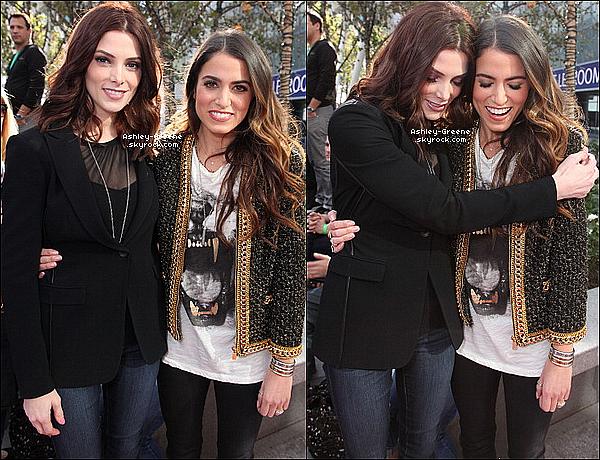 • CANDIDS - Le 10/11/2012 Ash s'est rendue avec Nikki et Jackson à un concert Fan avant la première de lundi.