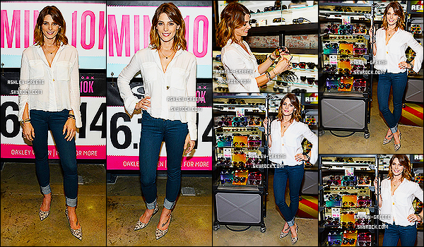 • EVENT - Le 13/06/2014 Ash' était au Meet And Greet At Oakley's Fifth Ave Flagship Store