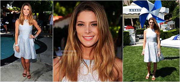 • CANDIDS - Le 16/04/16, Ashley a été aperçu avec ces amies lors du Coachella