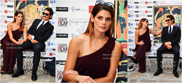"• EVENT - Le 3/09/16, Ashley était à la conférence de Presse pour le film ""In Dubious Battle"" lors du Venice Festival"