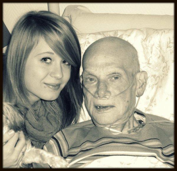- Les larmes prouvent leur amoures, mais n'apporte pas leur remèdes Grand Père. ✝♥