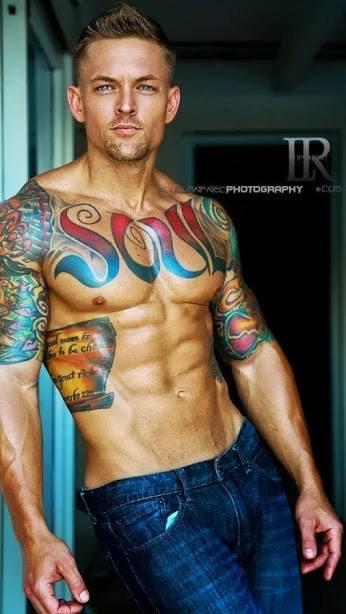 pour un de mes contacts qui aimes les tatoués, dsl je ne me souvient plus de son nom