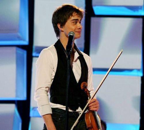 JE NE VOUS AI  parlé jamais de mon choupinou adoré, alexander rybak, gagant de l'eurovision 2009