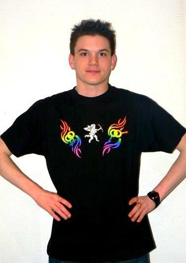 T-shirt noir avec le logo.