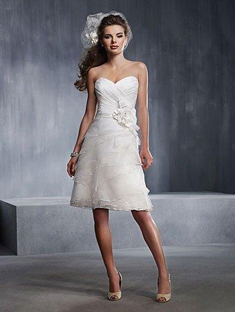 elegantekleider\'s blog - Page 9 - Die Trends 2012 | Neue Brautmode ...