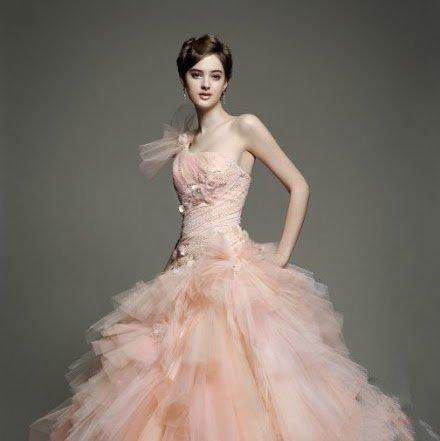 elegantekleider\'s blog - Die Trends 2012 | Neue Brautmode und ...