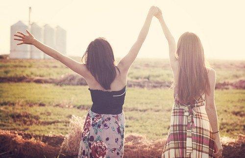 Dans une vraie amitié, il y aura des virgules, mais jamais de point ... ♥